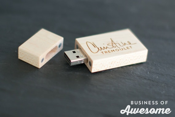 Custom USB Flash Drives for photographers from PhotoFlashDrive Review